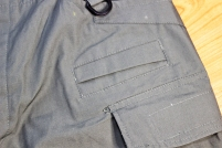 Reforço adicional nos bolsos para suportar os clips de montagem